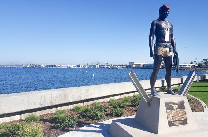 Navy Seal Commemorative Statue at Glorietta Bay Park
